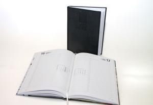 Buchkalender 2022 mit Blindprägung